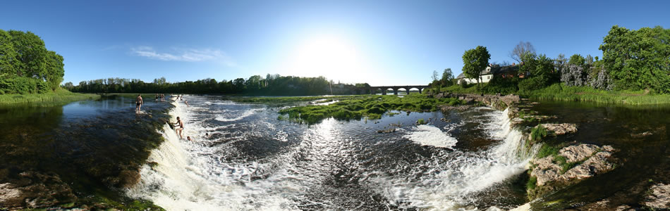 Ventas Rumba in Kuldiga - the widest waterfall in Europe | 360° panorama